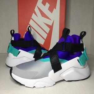 WMNS Nike Air Huarache City